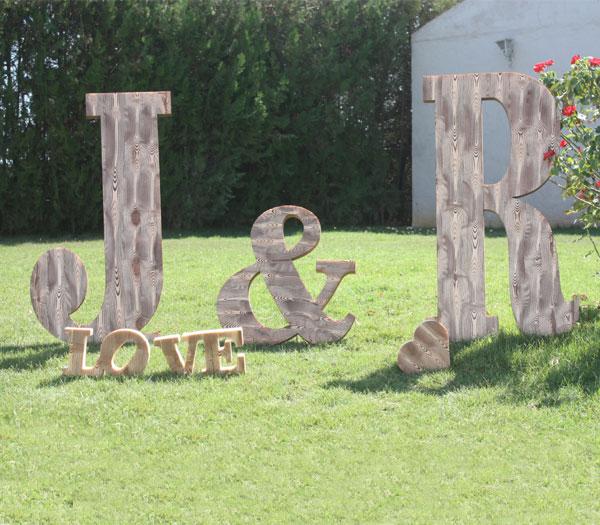 Iniciales para bodas imitación madera